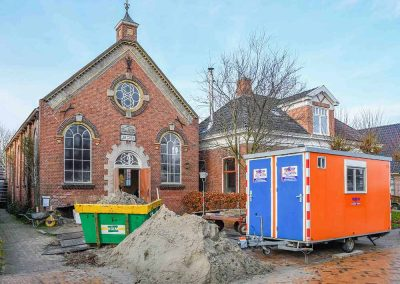 Woonhuis/voormalig kerkje aan de Kosterijweg te Westeremden